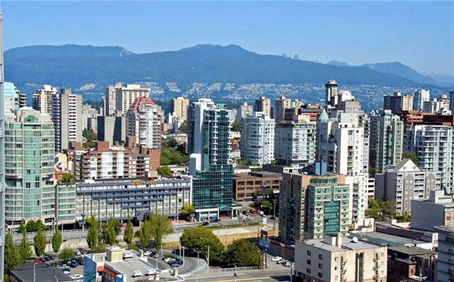 Downtown Vancouver Condo Sale